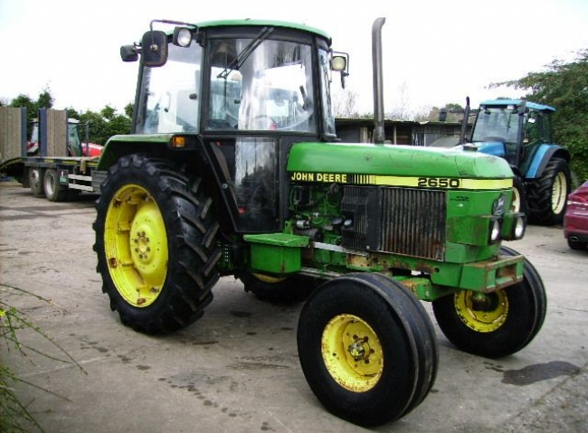 John Deere 2650 2wd SG2 Cab, Floor change and low roof, Power synchron