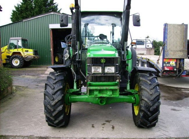 John Deere 5820 4wd Power Quad, Q45 Loader