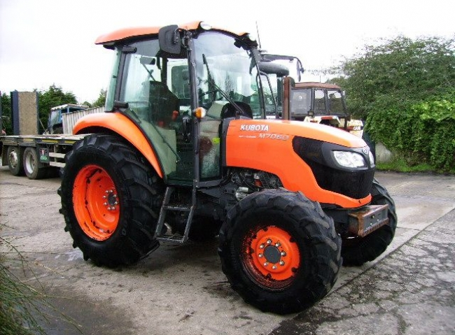 Kubota M7060 4wd Hydraulic Shuttle, 40K, Creep, Air con.