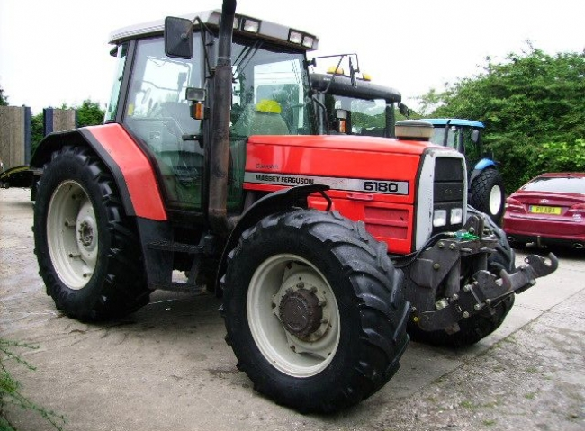 Massey Ferguson 6180 4wd Dynashift, 40K, Air Con
