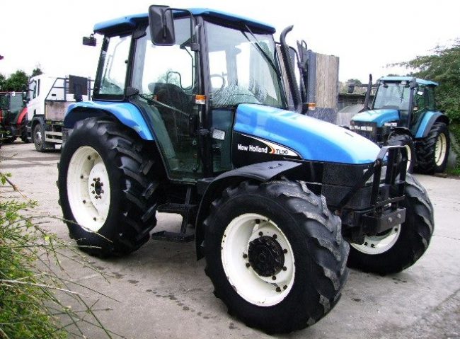 New Holland TL90 4wd 12/12 Manual Shuttle